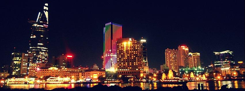 Đèn Sài Gòn ngọn xanh ngọn đỏ...