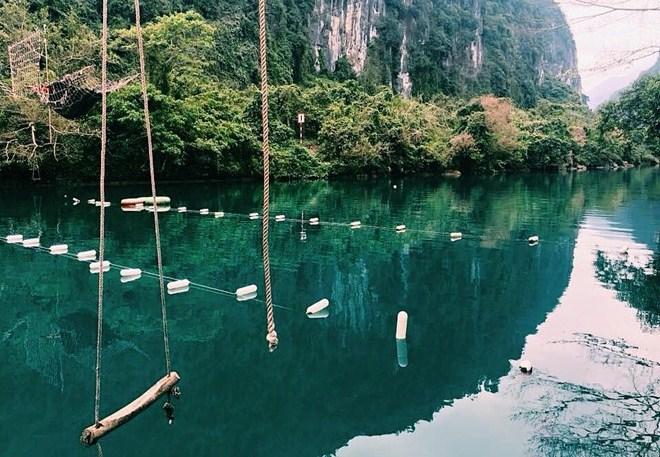 Suối nước Mooc - Quảng Bình