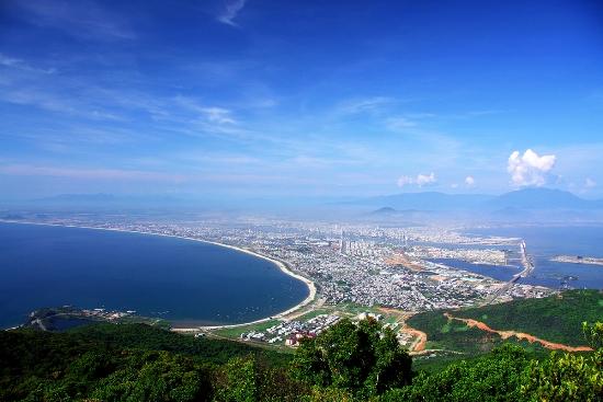 Toàn cảnh Đà Nẵng nhìn từ bán đảo Sơn Trà