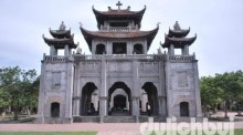 Nhà thờ đá Phát Diệm (Ninh Bình)