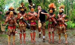 Matt Harding tại Papua New Guinea