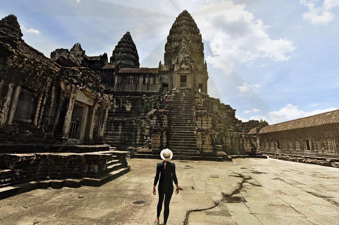 Cassandra De Pecol ở Campuchia