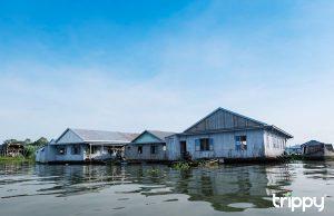 Khung cảnh làng bè nổi trên sông Châu Đốc