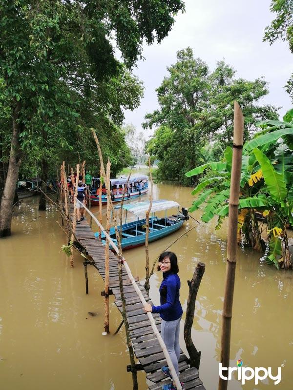 Cây cầu lên làng Chăm Đa Phước