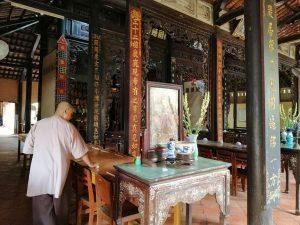 Bên trong chùa Vĩnh Tràng