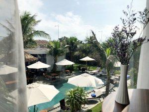 Không gian phòng khách sạnView hồ bơi khách sạn Sala Tuy Hòa Beach