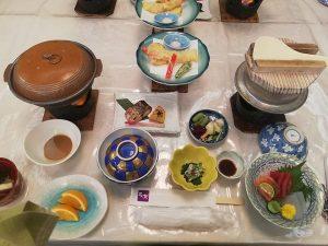 Ăn gì khi du lịch bụi Nhật Bản
